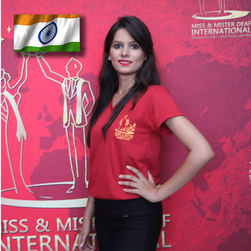 Miss Deaf India (Centre) (Deshana Jain)